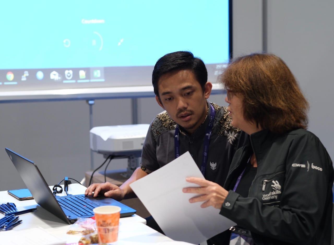 JUARA 1 ICT - WORLD SKILLS ASIA 2018, ABU DHABI UEA (Foto ke-15)