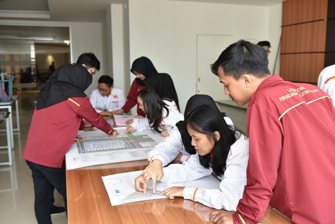 Ruangan Lab Perancangan Tata Letak Fasilitas Teknik Industri 2