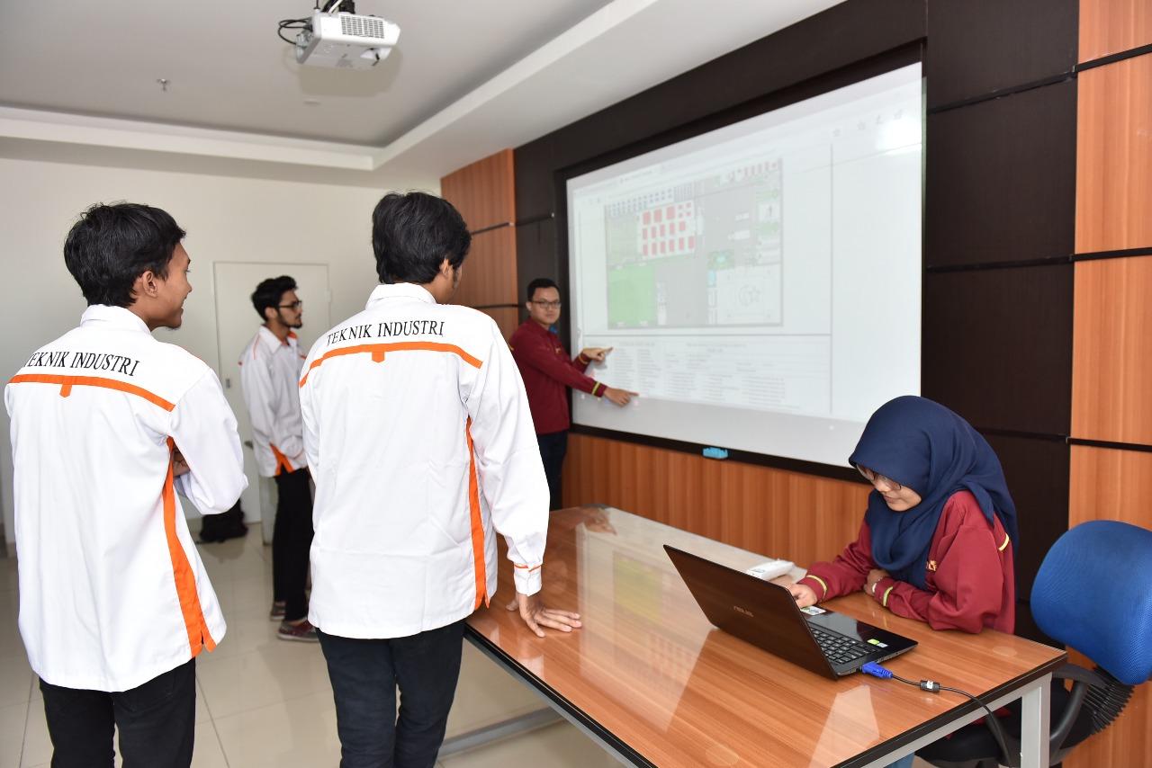 Ruangan Lab Perancangan Tata Letak Fasilitas Teknik Industri 4